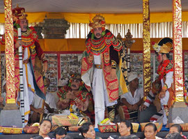 Bali, Ubud: Topeng dancers at the Odalan ceremony at Pura Dalem Kedewatan temple