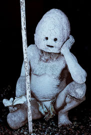 PNG, Eastern Highlands: Asaro 'mud man' from Makehuku village