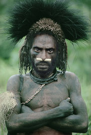 PNG, Nomad River area: a Biami tribesman from Waribi settlement