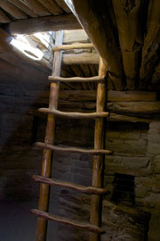 Mesa Verde, Colorado: entrance to a kiva at Spruce Tree House