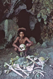 PNG, Trobriand Islands: Yamama with ancestral bones stored in a cave near Kapwani village