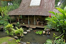 Bali, Ubud: our lodging at Kolam House, Villa Bambu Indah