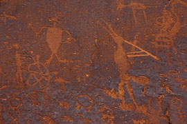 Bluff, Utah: old Indian petroglyphs at Sand Island, just south of Bluff