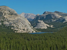 California, Yosemite NP: the view north-east from Olmsted Point towards Lake Tenaya and Lembert Dome (?)