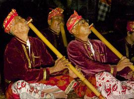 Bali, Batuan Gianyar dance group: flute players