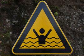 Hände immer schön über das Wasser halten...