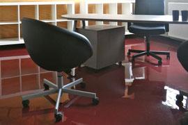 Résine époxy dans bureau