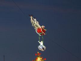 Le Père Noël volant.