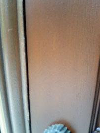 玄関扉の塗装剥がれ「補修後」
