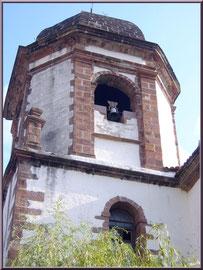 L'église de la Asunción à Zugarramurdi, le clocher (Pays Basque espagnol)