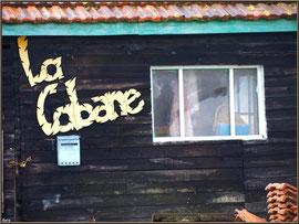 """Cabane """"La Cabane"""" au port ostréicole de La Teste de Buch (Bassin d'Arcachon)"""