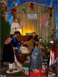 Crèche en l'église Saint Maurice de Gujan-Mestras, Bassin d'Arcachon (33) - 2014 : décor forêt et cabane de résinier