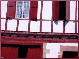 Aïnoha : vieille maison basque de 1641 (Pays Basque français)