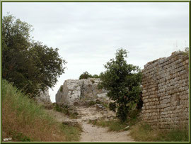 Aqueduc à Fontvielle dans les Alpilles (Bouches du Rhône), vers son extrémité