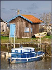 Cabane et bateaux