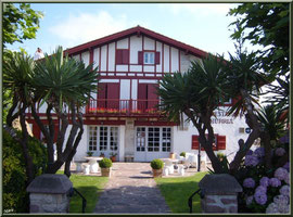 Aïnoha : maison de 1657, restaurant (Pays Basque français)