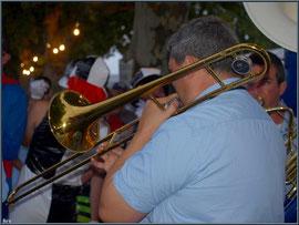 En avant la musique avec une Bandas aux Fêtes du Port à La Teste de Buch (Bassin d'Arcachon)