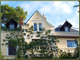 """Villa """"Bacon"""" et ses fenêtres de toit en chien assis en """"Ville d'Hiver"""" à Arcachon"""
