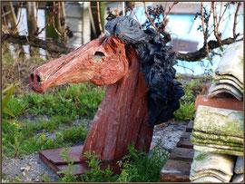 Déco  tête de cheval sur un quai au port ostréicole de La Teste de Buch (Bassin d'Arcachon)