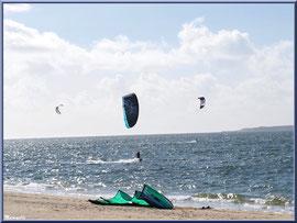 Les joies du kitesurf, plage Péreire à Arcachon, Bassin d'Arcachon (33)