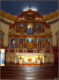 Aïnoha : l'église Notre Dame de l'Assomption, l'autel (Pays Basque français)