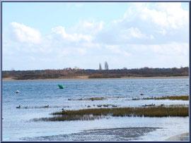 """Arcachon, """"Ville d'Automne"""" et son petit port de l'Aiguillon, le Bassin avec en face plage port du Rocher de La Teste"""