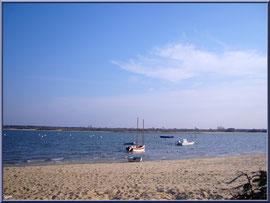 """Arcachon, """"Ville d'Automne"""", son petit port de l'Aiguillon ses bateaux et sa plage"""