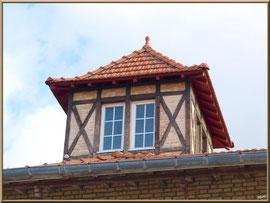 """Arcachon, """"Ville d'Automne"""", villa sur rue vers le port"""