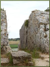 Aqueduc à Fontvielle dans les Alpilles (Bouches du Rhône), couloir vers son extrémité