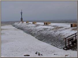 La Jetée du Christ en habit neigeux