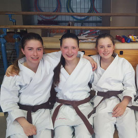 Unsere Kata Starterinnen: Mercedes, Josina, Louisa