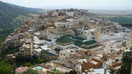 Le site de Moulay-Idriss, avec le sanctuaire aux toits verts