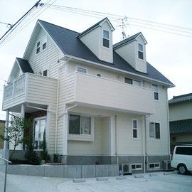 住居部分は別の工務店さんの施工です