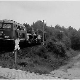 Ebenfalls in Schmithof: Der aus Raeren zurückkehrende Zug mit geladenenen Mähdreschern