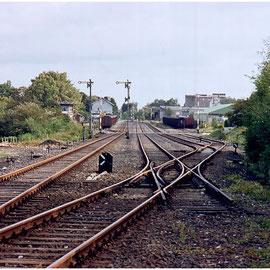 """Ein etwas """"neueres"""" Bild; jetzt in Farbe: Der Bahnhof Walheim am 17. September 1983"""