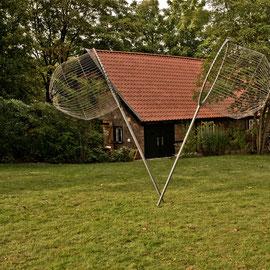 Pinneberg, atelier.kunstremise.mioq, Pinneberg, 2014 Gruppenausstellung zu dem Thema 'unzertrennlich distanziert – Männer unter sich' Werk: ich habe den größten Fisch gefangen