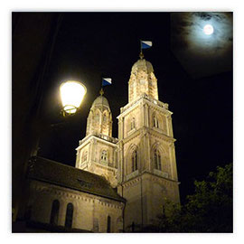 043a Grossmünster 010 bei Nacht
