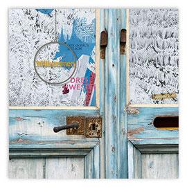 StadtSicht 148a: alte hellblaue Tür
