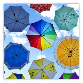 066b fliegende Regenschirme 001