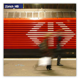 054b Zuerich HB rote Lok 002