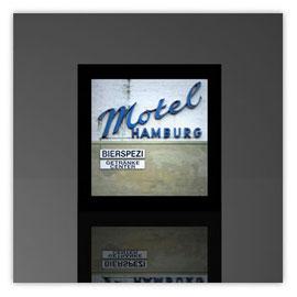 Würfelleuchte, Motiv mit Motel Hamburg 001