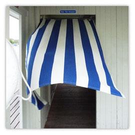 115d Utoquai Nur für Frauen. Vorhang im Wind.