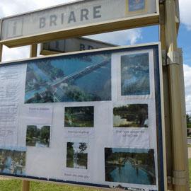 Info-Tafel am Kanal