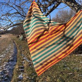 """Leuchtturm-Tuch """"Boho"""" / Farbzusammenstellung sowie Tuch gestrickt und fotografiert von Annegret Germer"""