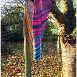 Mitternachtsleuchten / Schal gestrickt und fotografiert von Maike Dürkop