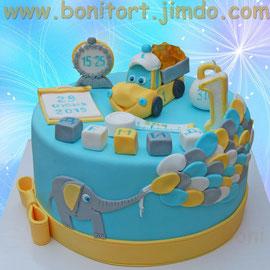 Тортик для малыша на 1 год с грузовичком и мармеладками