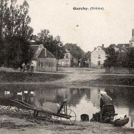 Lavandière Garchy vers 1919