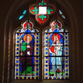 vitrail de saint Joseph ---vitrail de la Vierge et de l'enfant jésus