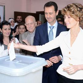 المرشح الدكتور بشار الأسد والسيدة عقيلته يدليان بصوتيهما في الانتخابات الرئاسية - 03.06.2014