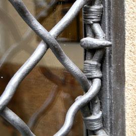 Casa Planells, porta d'entrada. 2011. Imatge: Raúl Sanz.